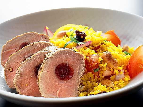Chorizofylld hel kotlettrad med couscous