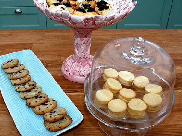 Christinas pariservåfflor, korintkakor samt kokostoppar med lime