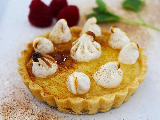Citronmarängpaj med lakrits - Ola Selméns recept