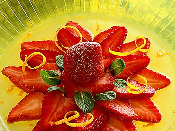 Citronmarinerade jordgubbar