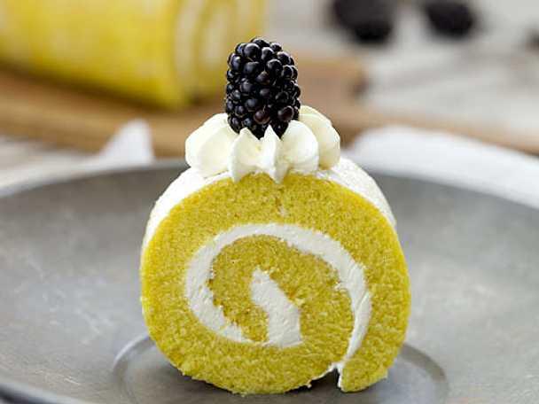 Citronrulltårta med marängfrosting