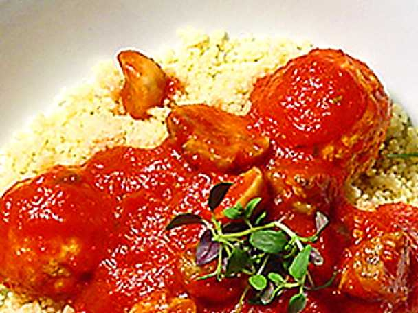 Couscous med kycklingköttbullar