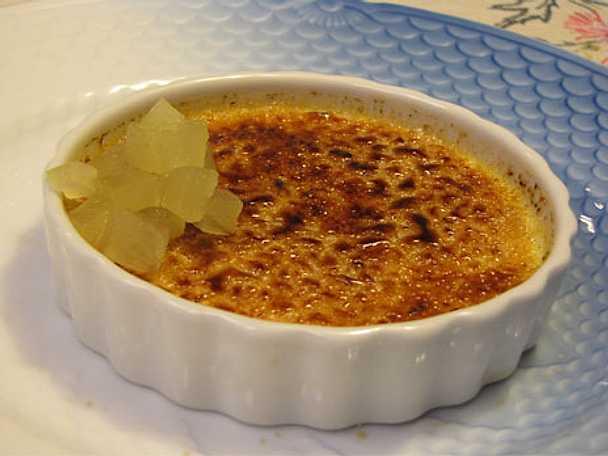 Crème brûlée med rosmarin och äppelkompott