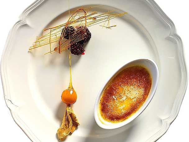 Crème brûlée med spunnet socker