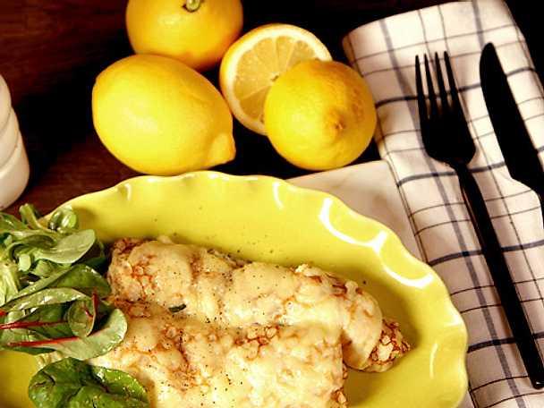 Crêpes med citronspetsad räkfyllning