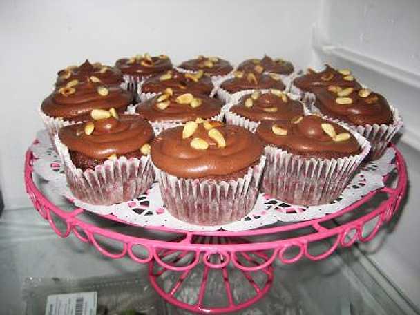 Cupcakes med choklad och rostade pinjenötter