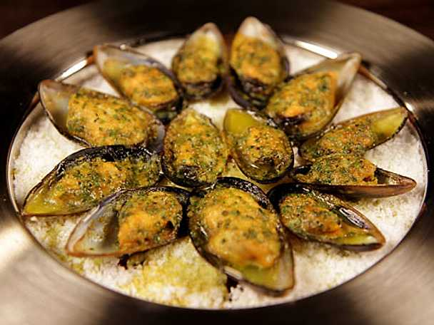 Tomatgratinerade musslor