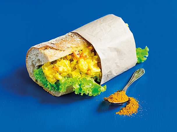 Currytofu i baguette