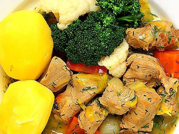 Dillkött på lamm med blomkål och broccoli