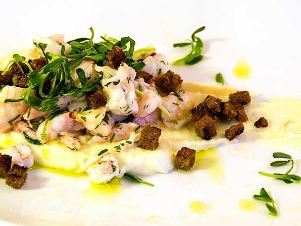 Dillslungade skaldjur på palsternackscrème