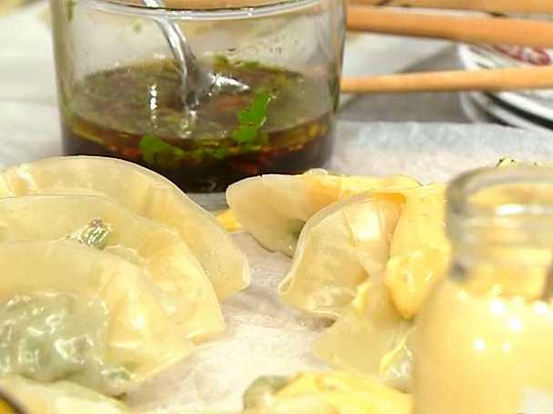 Dumplings med två såser