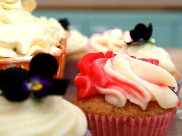 Elins cupcakes med choklad, viol samt polkasmak