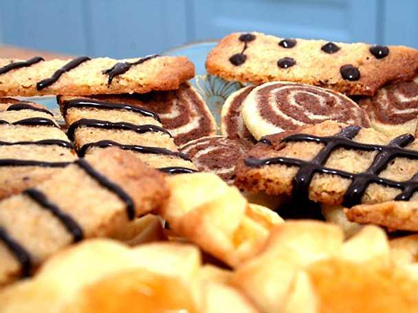 Elins småkakor med choklad, minkola och aprikos