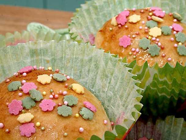 Emelies solmogna persikobullar och chokladgifflar