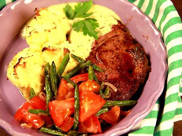 Entreôte med gratinerat potatismos och bearnaisesås