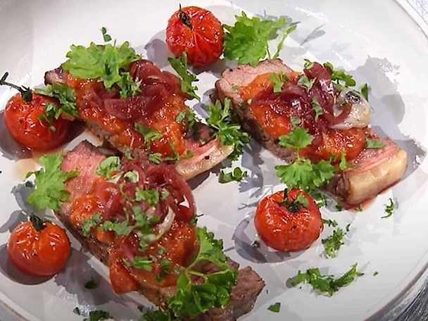 Entrecôte med tomatcurry och ostron