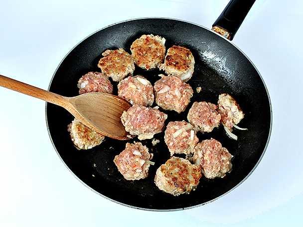 Ett riktigt bra grundrecept på köttbullar
