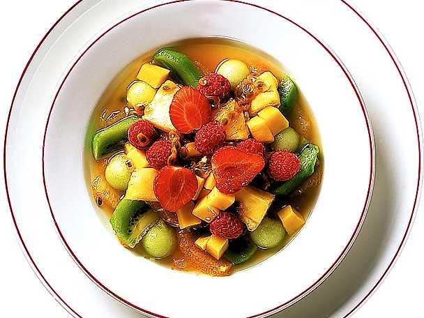 Euforisk soppa på frukt och kirch