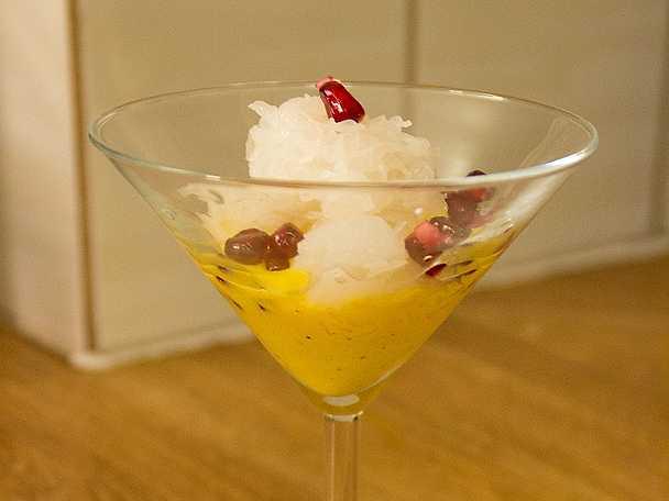 Falode, frysta risnudlar med saffransglass och rosenvatten