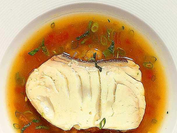 Fänkåls- och basilikasoppa med hälleflundra