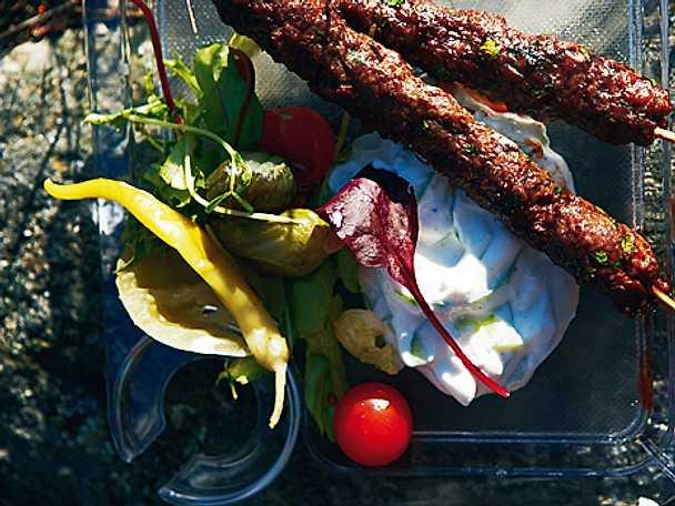 Farish kebab med tsatsiki