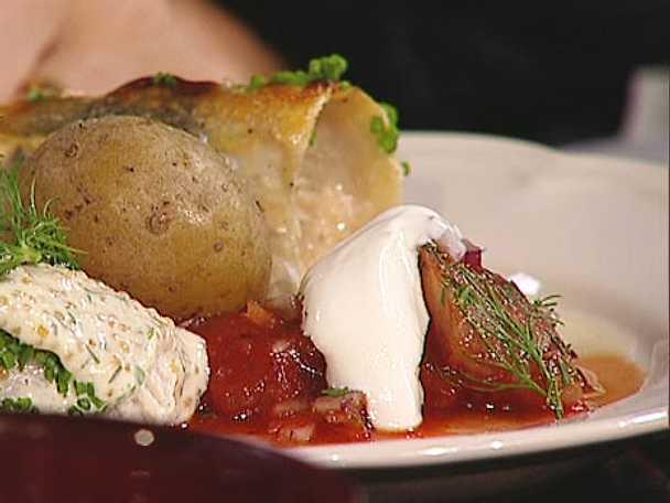 Farmor Jureskogs matjesill med sherry, rödlök och svartpeppar