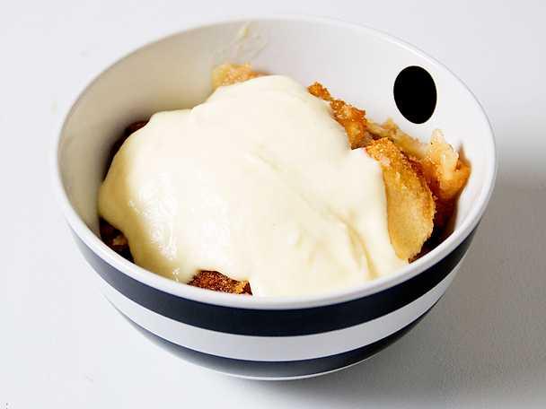 Fassans äppelkaka med vaniljsås