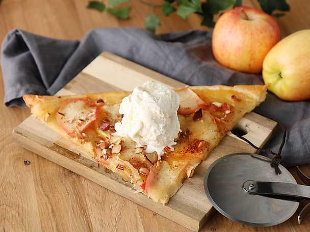 Felix Enkel smördegspizza med äpple och kanel