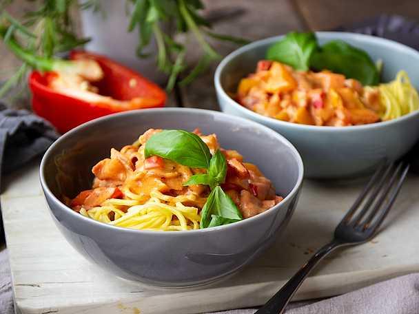 Felix Snabb och enkel pasta med rosa baconsås