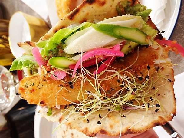Fish tacos med ramslök, tomat och avokado