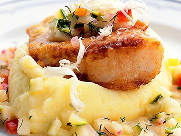 Fiskfilé på potatismosbädd