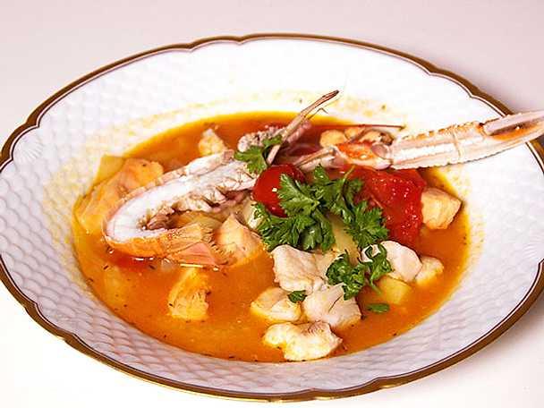 Fiskgryta från med apelsin, fänkål och havskräfta