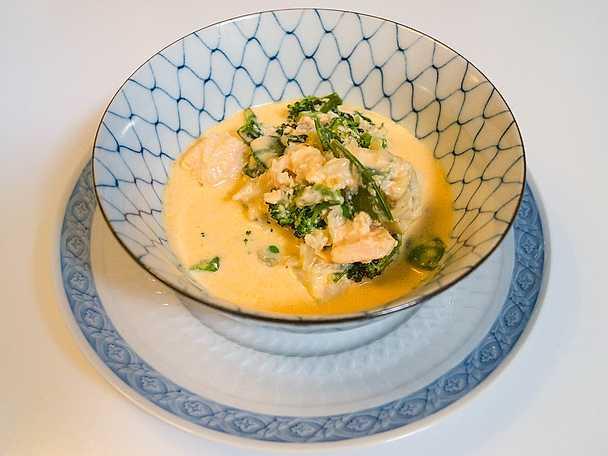 Fisksoppa med gröna grönsaker