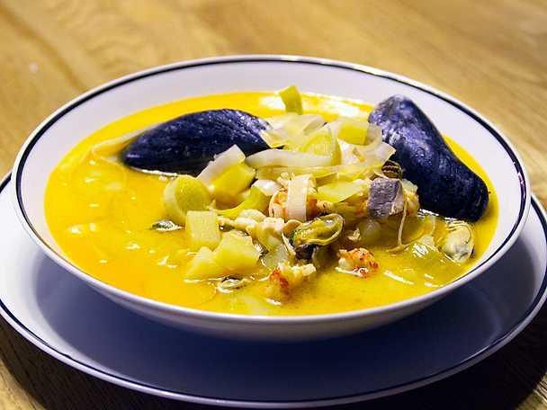 Fisksoppa med smak av saffran