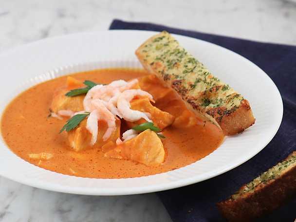 Fiskgryta med saffran och tomat