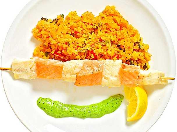 Fiskspett med gös och lax med risotto på bulgur
