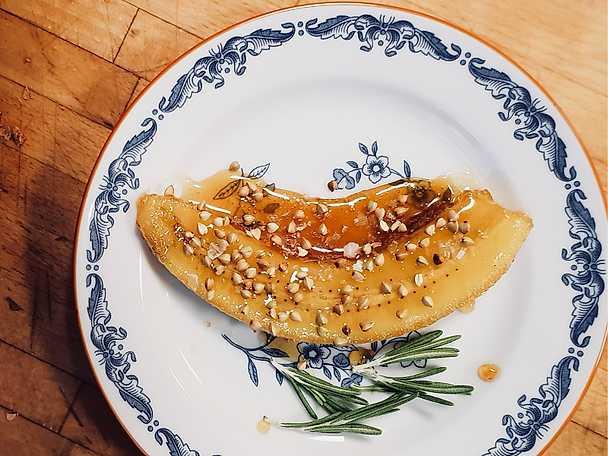 Flamberade bananer med smak av amaretto och citron