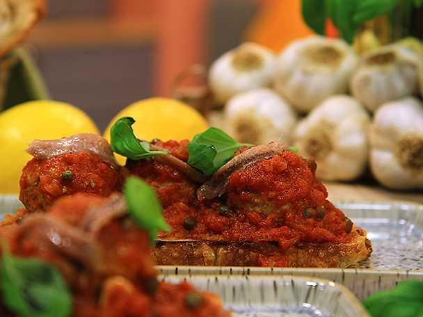 Fläskfärsbullar med tomatsås