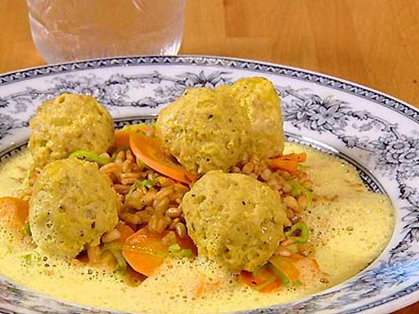 Fläskfärsfrikadeller med curry och dinkel