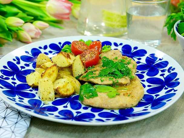 Fläskfilé a scaloppine a limone med rostad potatis