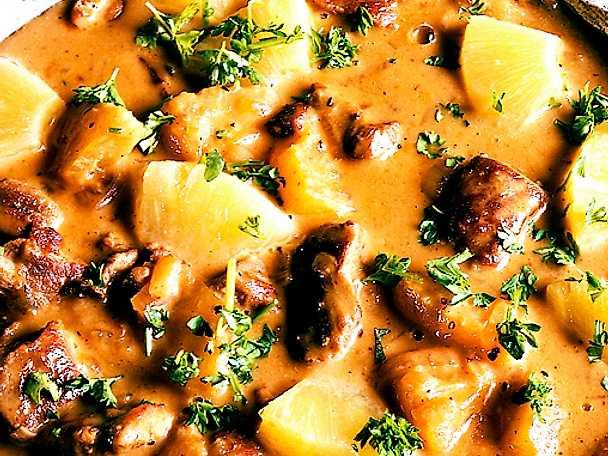 Gula Koket : Floskgryta med ananas  Recept fron Koketse