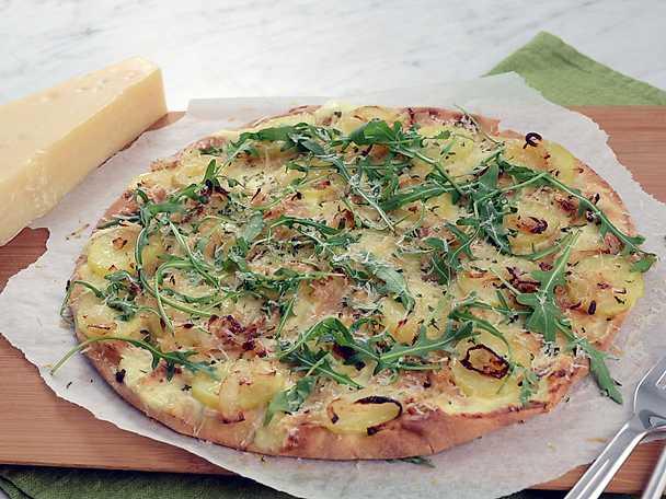 Flatbread-pizza med potatis och parmesan