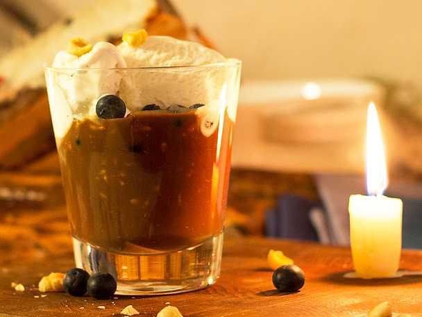 Flytande Schweizernöt med vaniljglass och blåbär