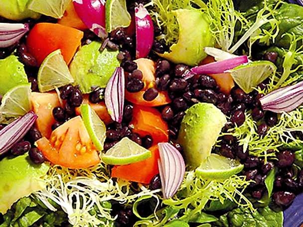 Förrättssallad med spenat och avokado