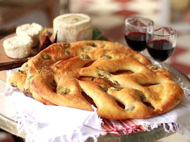 Fougasse - festbröd med oliver