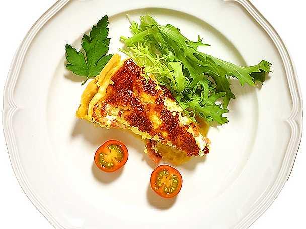 Fransk skink- och ostpaj