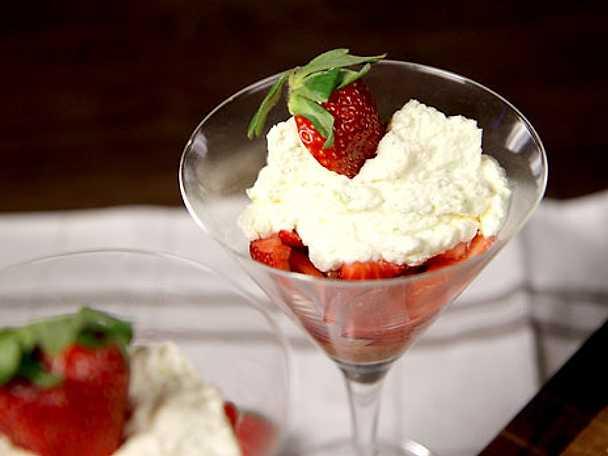 Fräsch jordgubbsdessert