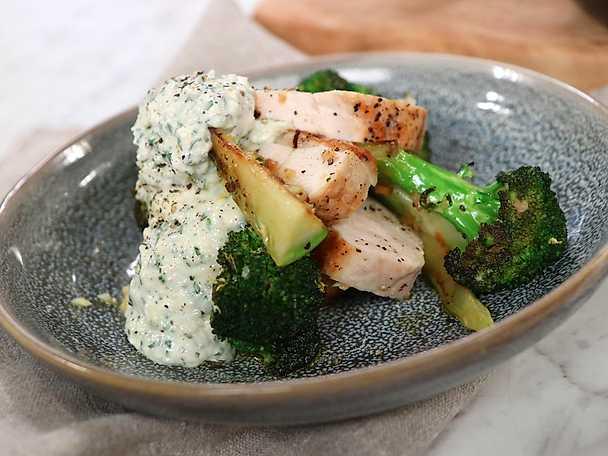 frasig kyckling med broccoli och parmesancreme