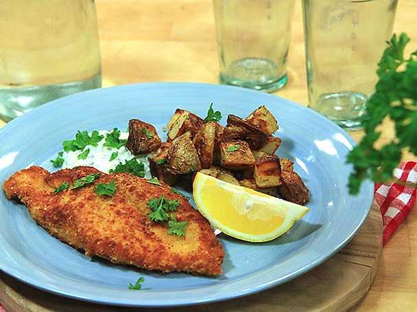 Frasig kycklingschnitzel med kapris- och citronsås