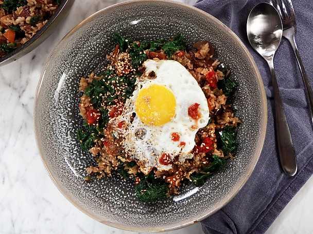Fried rice med svamp och grönkål